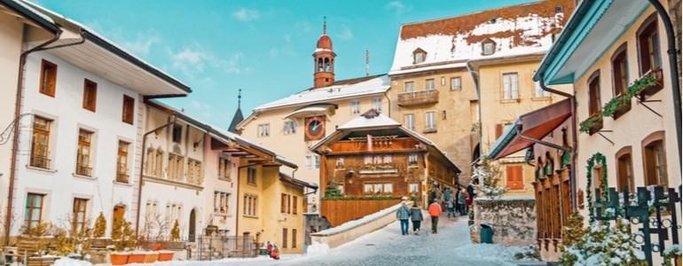 Itinerario di Natale sulle Alpi con auto a noleggio