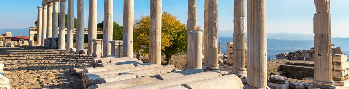 rent your car in athens columns of zeus