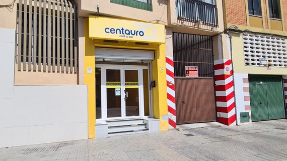 Centauro Rent a Car am AVE Bahnhof in Malaga