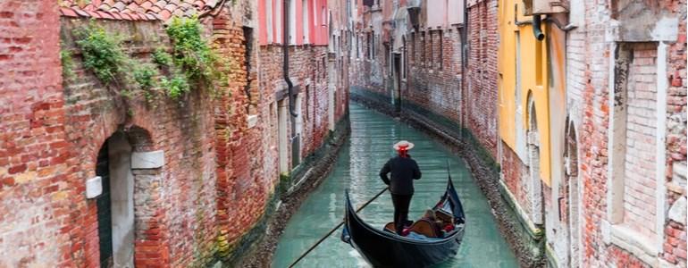 Alquiler de coches Carnavales de Venecia Centauro Rent a Car
